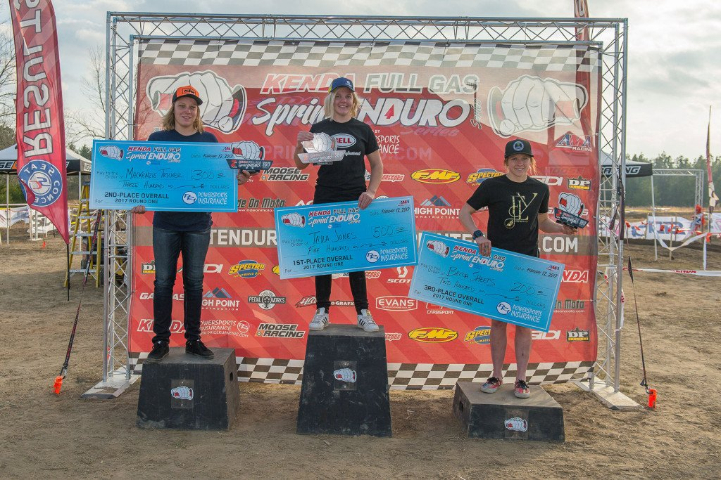 women-podium-Gaston-FGSE-1